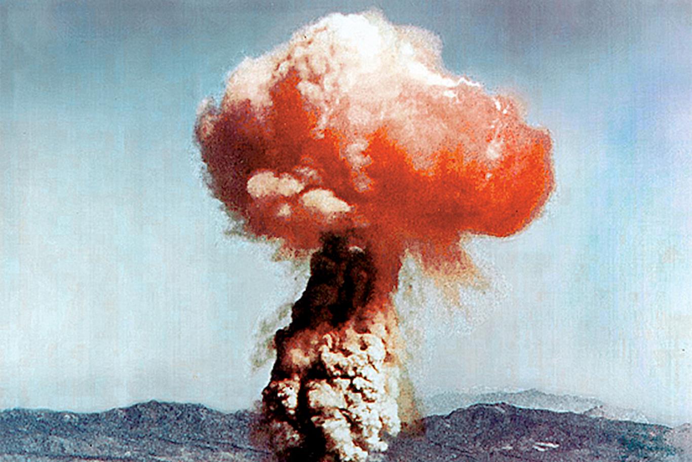 atomic_blast_nevada_yucca_1951_better_quality