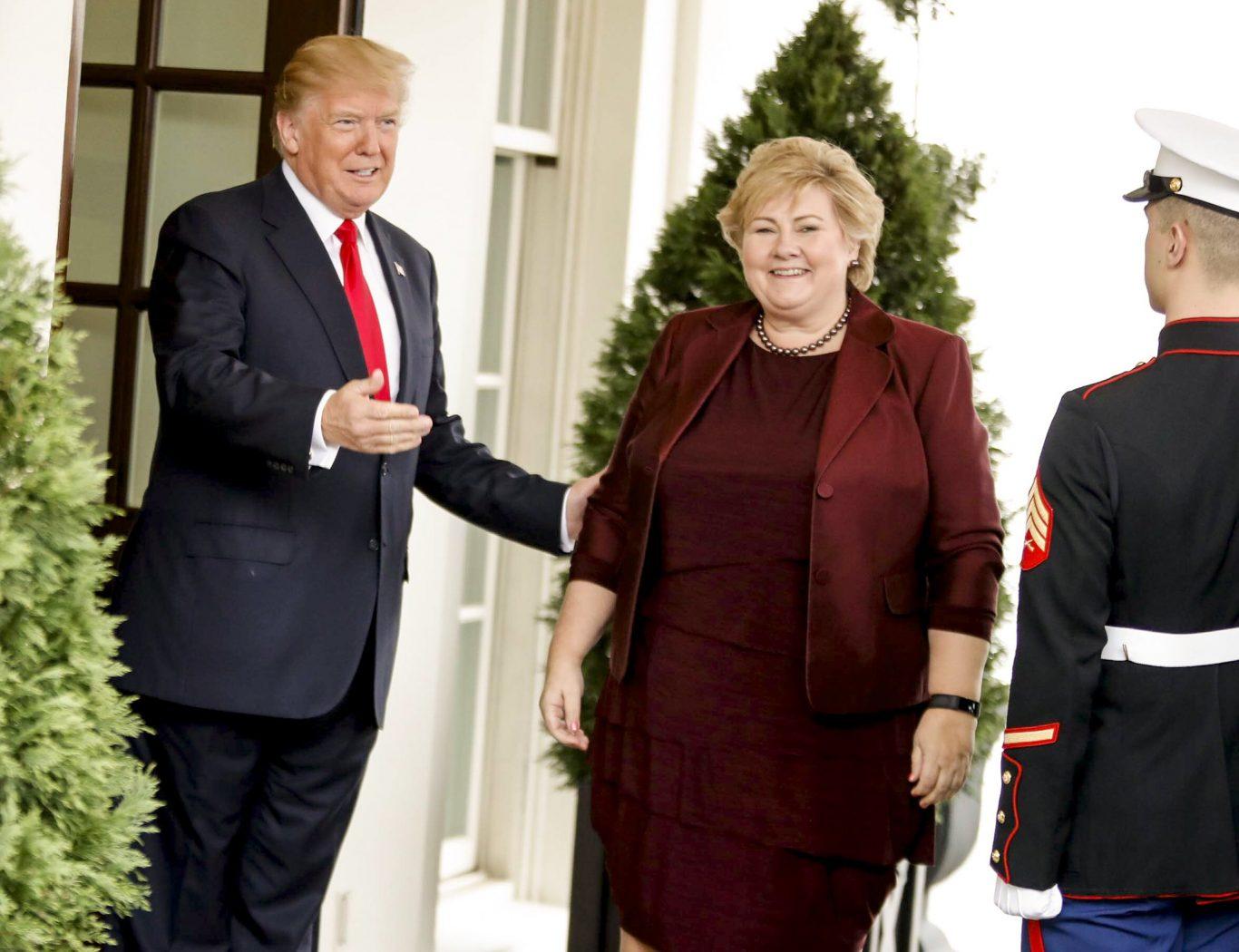 Statsminister Erna Solberg møter USAs president Donald Trump i Det hvite hus i 2018. Foto: Stein J. Bjørge/Aftenposten (SMK)