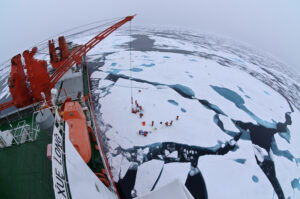 Drift ice camp in the middle of the Arctic Ocean as seen from the deck of the Chinese icebreaker Xue Long. Photo: Timo Palo/Wikimedia Commons