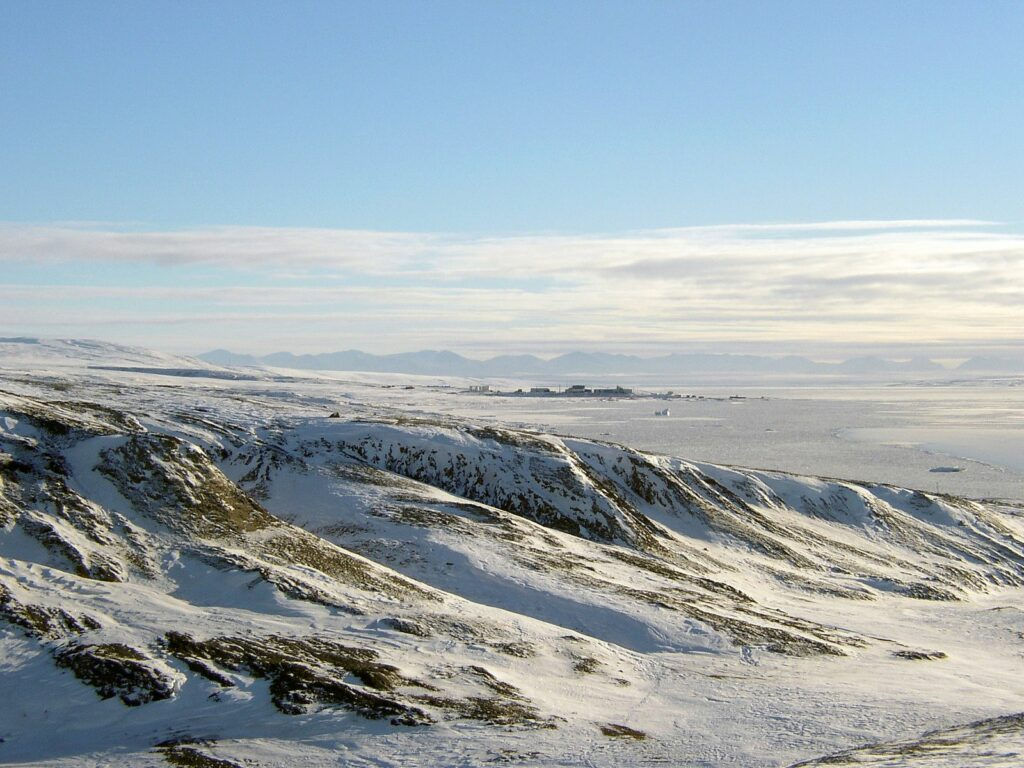 Eureka værstasjon på Ellesmere Island i Canadas provins Nunavut. Foto: NASA / Wikimedia Commons